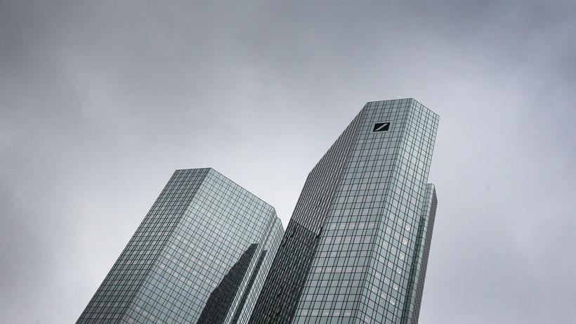 Deutsche Bank Vorstandschef Christian Sewing Dämpft Erwartungen Für