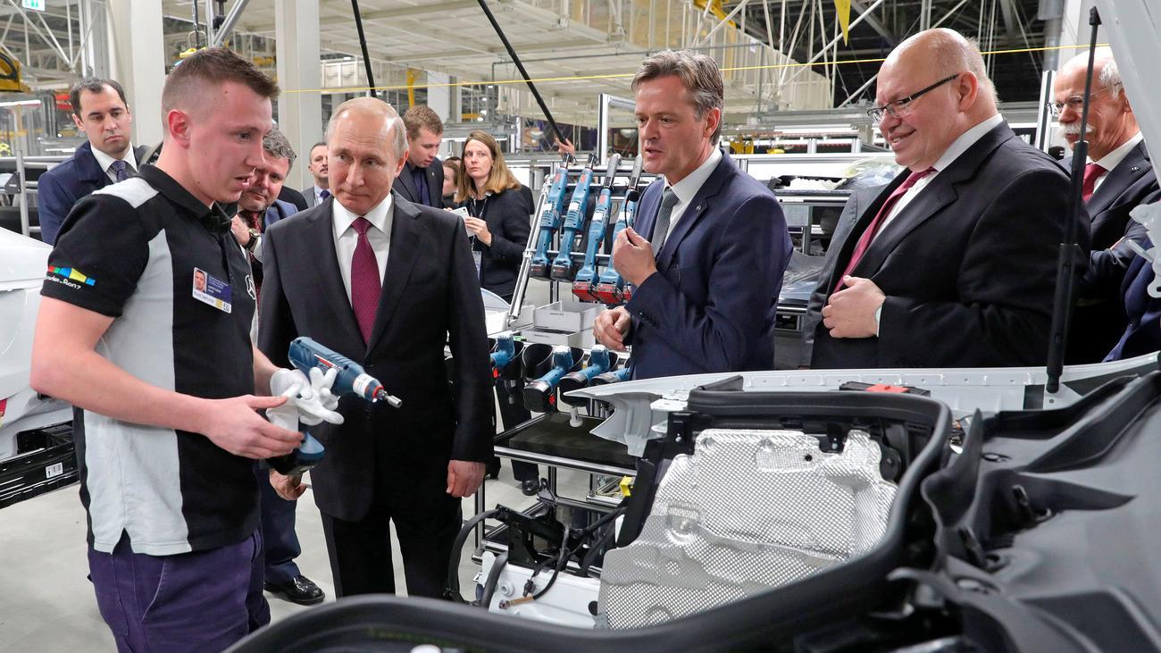 Daimler: Altmaier und Zetsche eröffnen erstes Mercedes-Benz-Werk in Russland