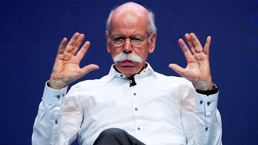 Discounter: Discounterware statt teurer Autos: Der frühere Daimlerchef Dieter Zetsche rückt in den Beirat von Aldi Süd ein.