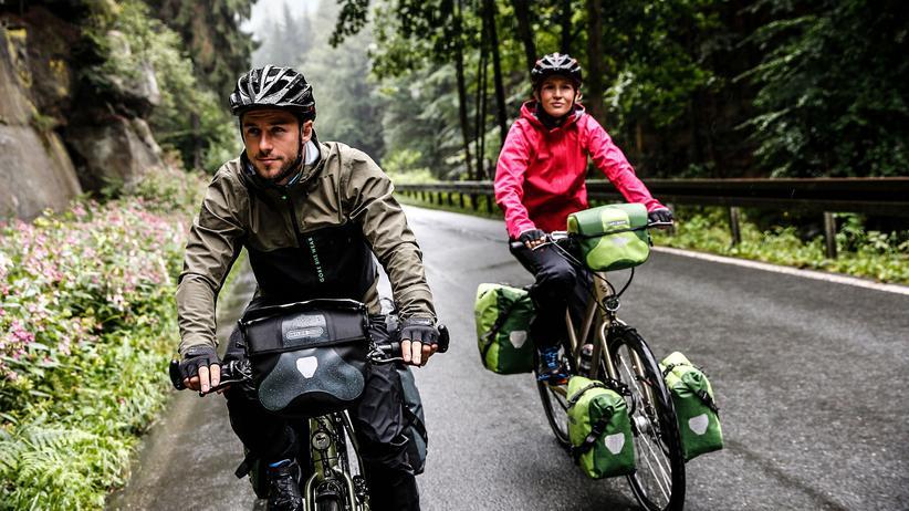 Markenstreit: Fahrradtaschen des Outdoor-Ausrüsters Ortlieb im Einsatz. Der fränkische Hersteller bietet selbst keine Produkte über Amazon an.