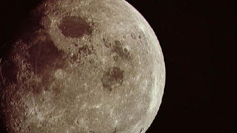 Mond Weltraum Kosmos Magma Magma-Ozean Astronomie Erdtrabant