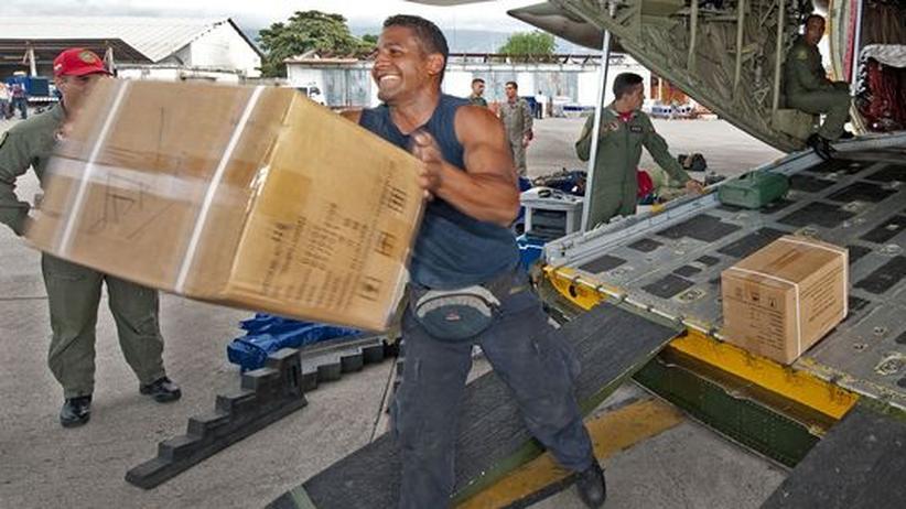 Erdbeben in Haiti: Nach und nach treffen die dringend benötigten Hilfsgüter und Hilfsorganisationen in Port-au-Prince ein