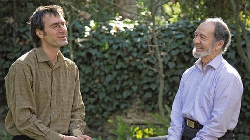 Forschung: Journalist Stefan Klein (links) im Gespräch mit dem Universalgelehrten Jared Diamond (rechts)