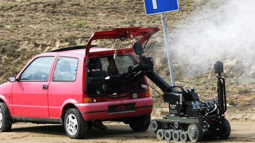 ferngesteuerten Krieg  autonome Roboter Digitale Kriegsmaschinerie  Technikphilosophin Jutta Weber
