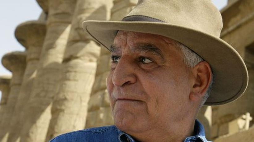 Zahi Hawass: Stürzen die Ägypter nun auch den Jäger der Nofretete?