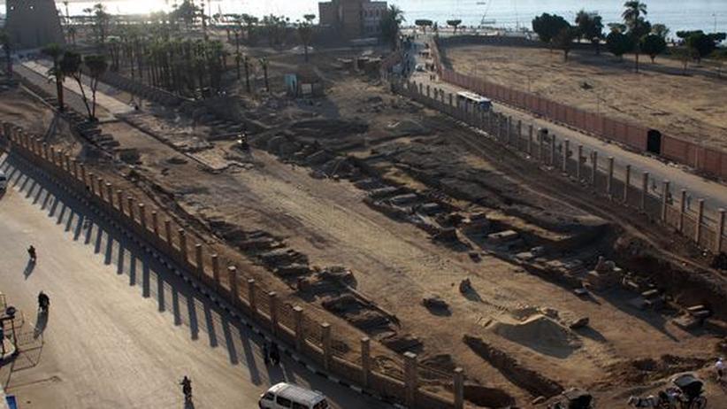 Eine Ausgrabungsstätte in Luxor, an der erst vor kurzem 650 Sphinxen gefunden wurden