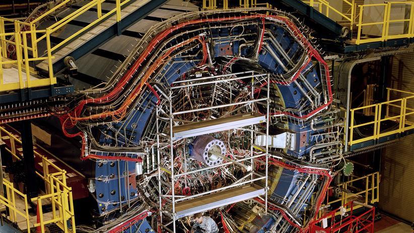 Teilchenphysik: Forscherteam weist erstmals Antihelium-4-Kerne nach