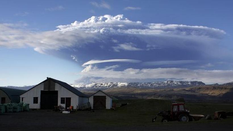 Vulkanausbruch in Island: Flugverkehr trotz Rauchwolke kaum