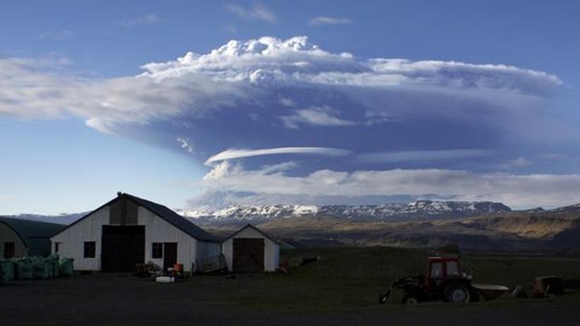 Vulkanausbruch in Island: Flugverkehr trotz Rauchwolke kaum beeinträchtigt
