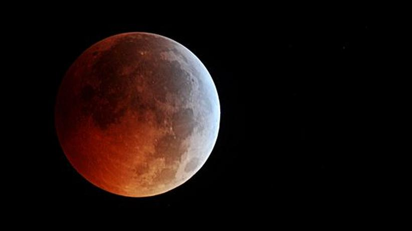 Mondfinsternis: Der Mond leuchtet rot über Deutschland