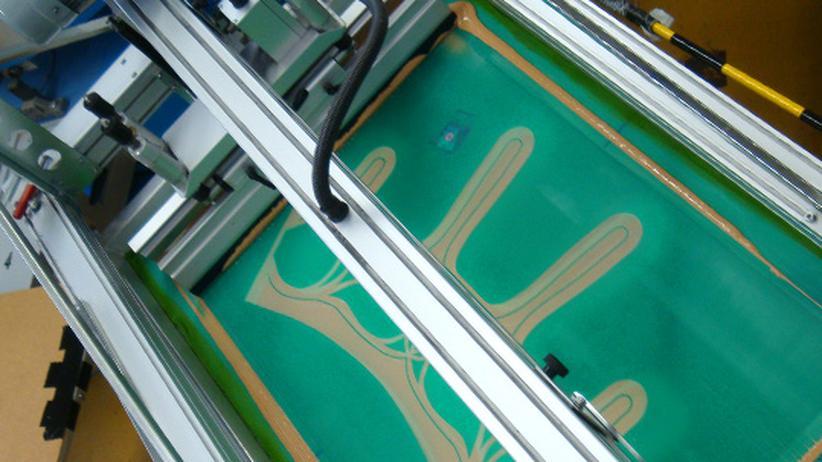 Neue Materialien: Aus Kunststoff Flugzeuge und Elektroautos nähen
