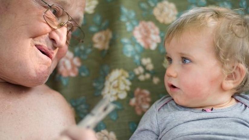 Familiengeschichte: Durch ihre Großeltern lernen Kinder eine ganz andere Lebenswelt kennen.
