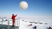 Wetterballon Antarktis Neumeyer III Südpol Klimaforschung