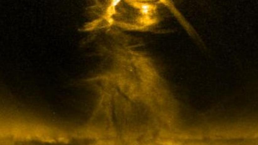 Weltraumwetter: Satellit filmt Tornado auf der Sonne