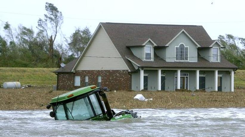 Tropensturm Isaac: Millionen sind ohne Strom, Tausende auf der Flucht
