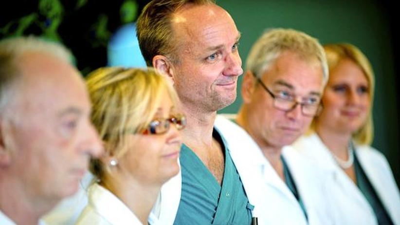 Kinderwunsch: Schwedische Ärzte transplantieren Gebärmütter