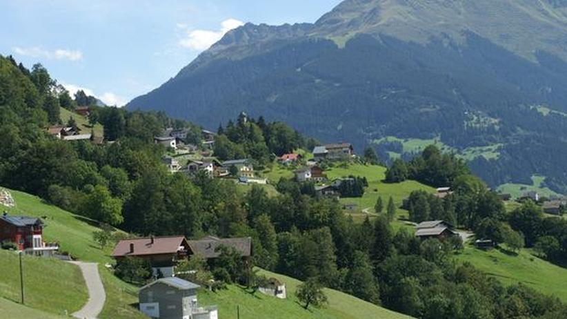 Blick über das Fritzentobel in der Gemeinde Bartholomäberg in Vorarlberg