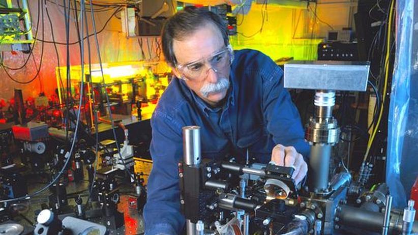 Physik-Nobelpreis: Zwei Leben für Schrödingers Katze