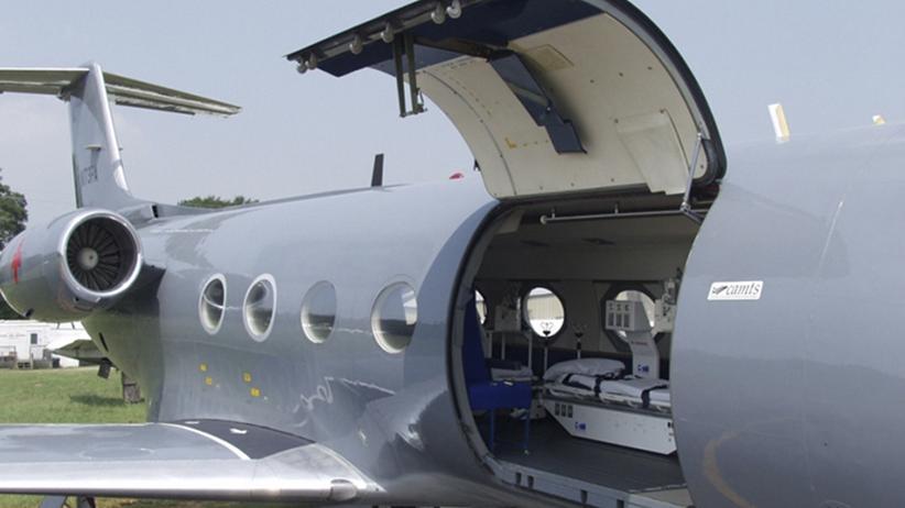 Ebola: Bisher sind weltweit nur zwei Flugzeuge zum Transport von schwer erkrankten Ebola-Patienten geeignet, beides umgebaute Gulfstreams von Phoenix Air.