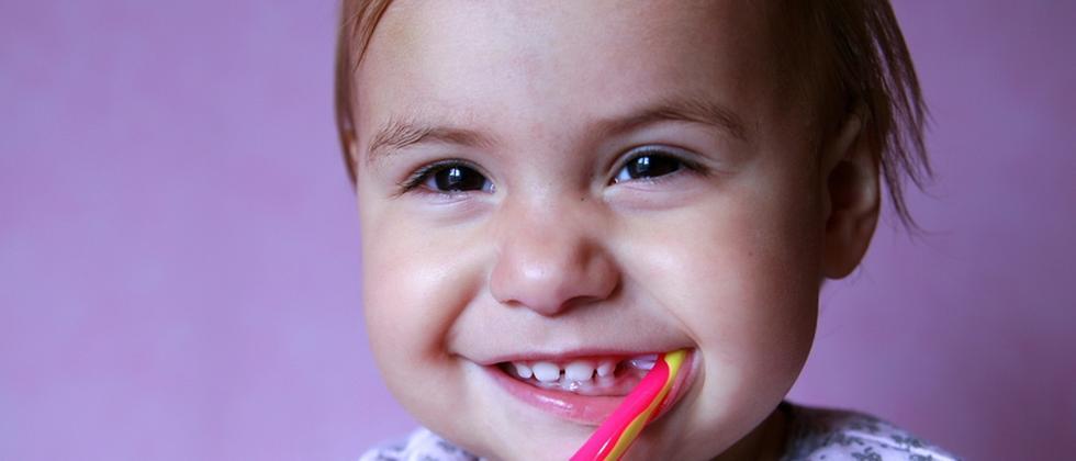 Zähneputzen Zahnbürste Kind