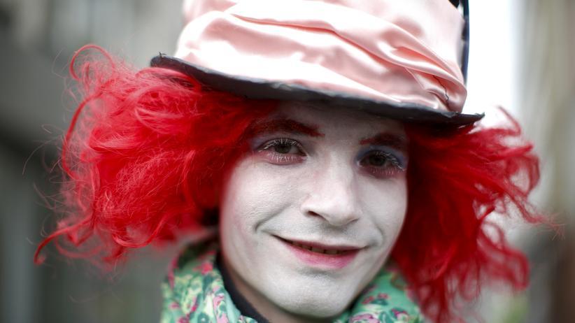 Sprache: Ein Kostüm kann uns verändern, eine Sprache vermag das ebenso.