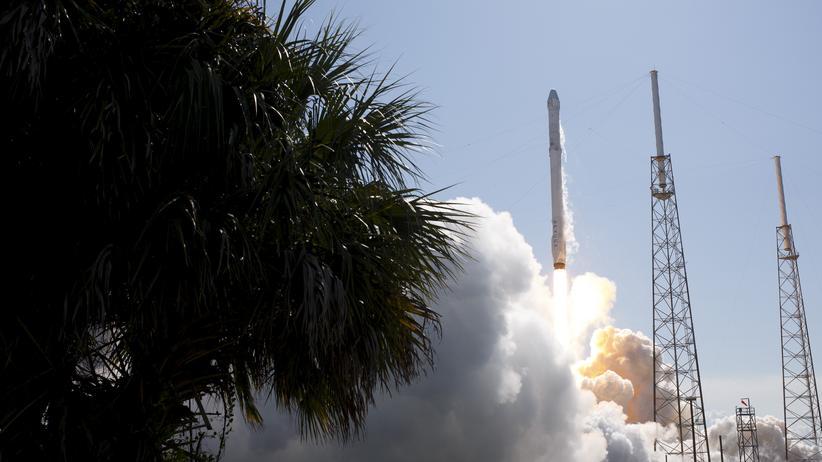 """SpaceX: Landung von """"Falcon 9""""-Rakete erneut gescheitert"""