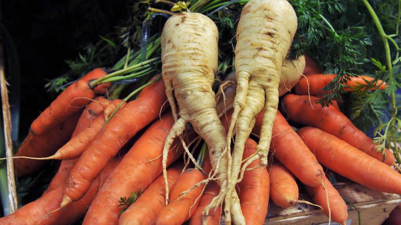 Karotten und Pastinaken