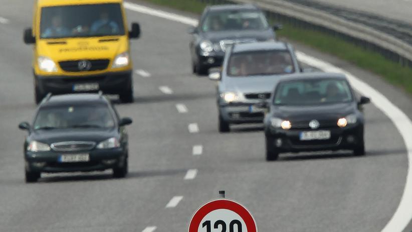 Spritverbrauch: Kann man Sprit sparen, wenn man in Kurven nur die innere Spur benutzt?