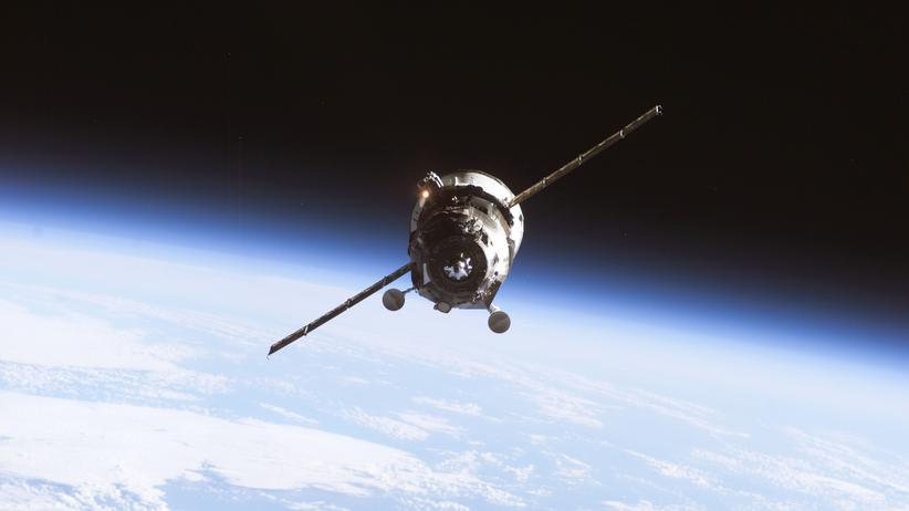 Ein unbemannter Progress-Raumfrachter auf dem Weg zur Internationalen Raumstation