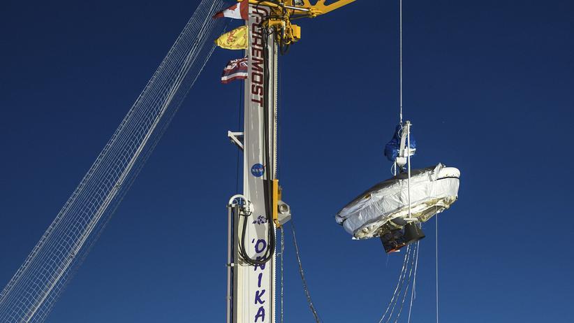Der getestete Fallschirm soll später einmal bemannte Marsflüge ermöglichen.