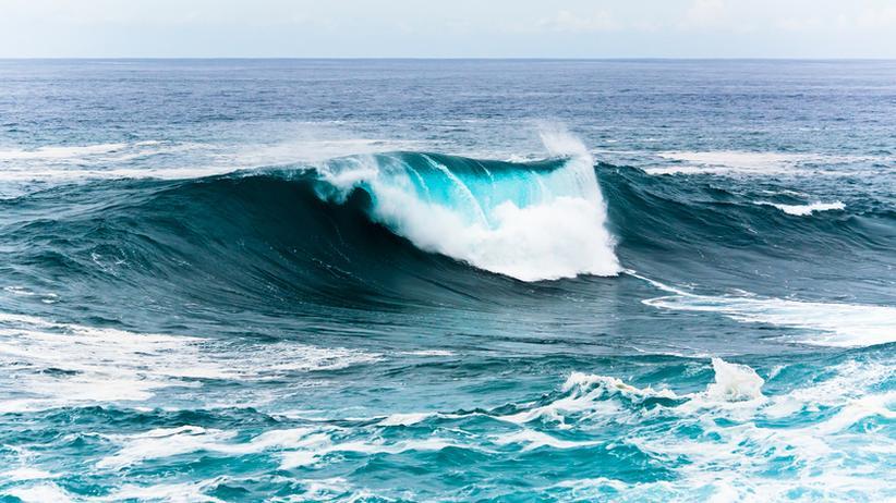 Wellen: Brechen sich Wellen immer parallel zum Strand?