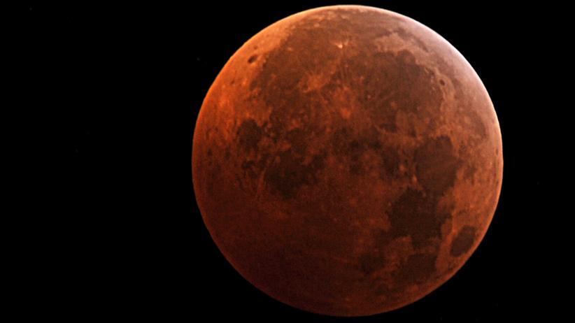 Mondfinsternis: Diese Mofi wird blutig und total super