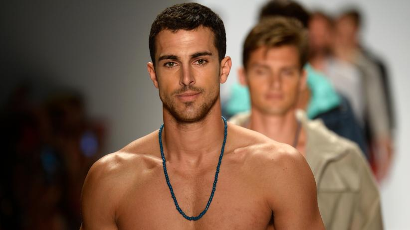 Testosteron Mann Model Fashion Week Nautica