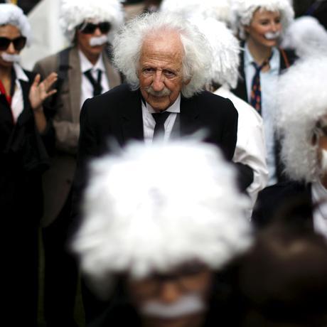 Quantenphysik: Einstein würde sich die Haare raufen