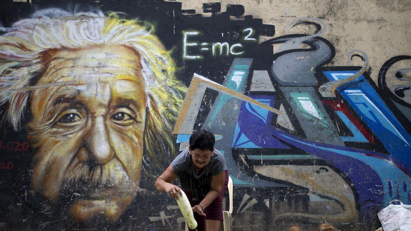 Albert Einstein Relativitätstheorie Physik Raum Zeit Gravitationswellen