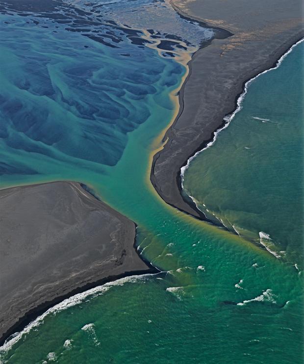 naturfotografie ein kratersee so blau wie ein eimer farbe. Black Bedroom Furniture Sets. Home Design Ideas