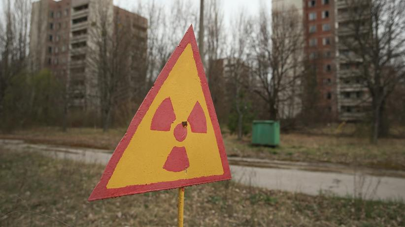Gesundheitsfolgen: Ein Schild warnt vor radioaktiver Strahlung.