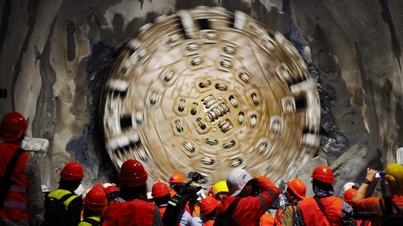 Gotthard Tunnel Schweizer Alpen Bohrer