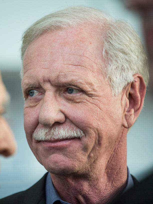 """Chesley """"Sully"""" Sullenberger. 2009 rettete er mit seiner Entscheidung 154 Menschenleben – und sein eigenes. Damals war er 57, hatte mehr als 20.000 Flugstunden und enorme Erfahrung in der Auswertung von Unfällen."""