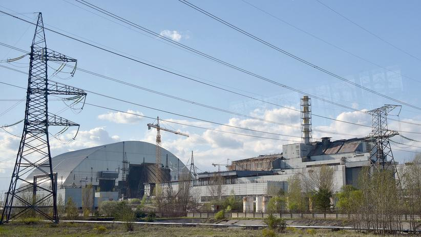 Tschernobyl: Eine Konstruktion aus Stahlbeton wölbt sich über den alten Reaktor. Sogar die Kathedrale von Notre-Dame hätte darunter Platz.