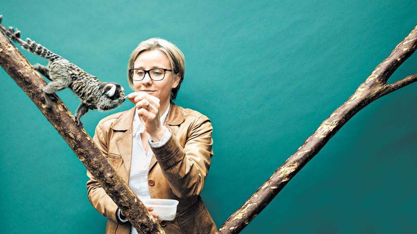 Anthropologie: Judith Burkart, 41, mit ihren Weißbüschelaffen auf dem Campus Irchel