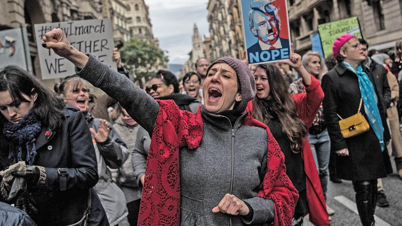 March for Science: Demonstranten während des Women's March in Barcelona, Spanien – am 22. April findet der March for Science statt.