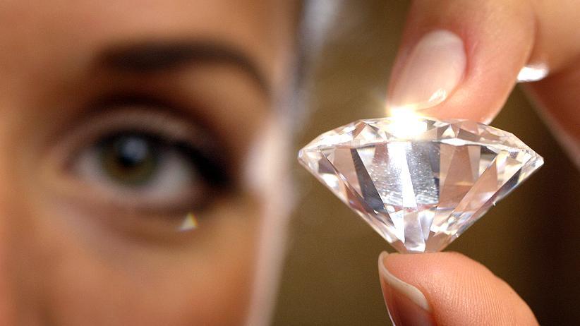 Künstliche Diamanten: Frau Merkel, sind die echt?
