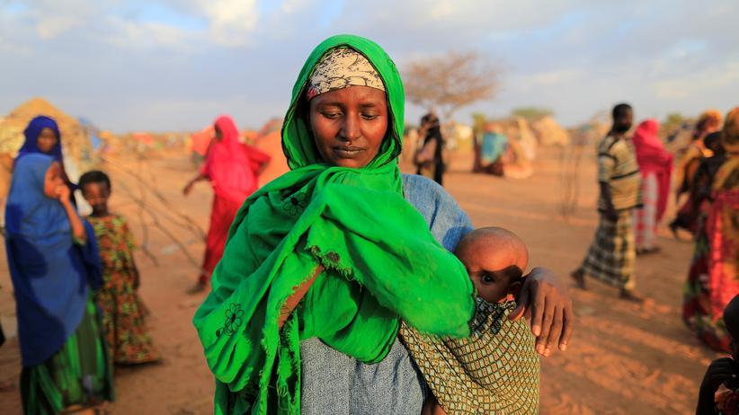 Naturkatastrophen: Eine Frau in Somalia, die vor einer Dürre fliehen musste