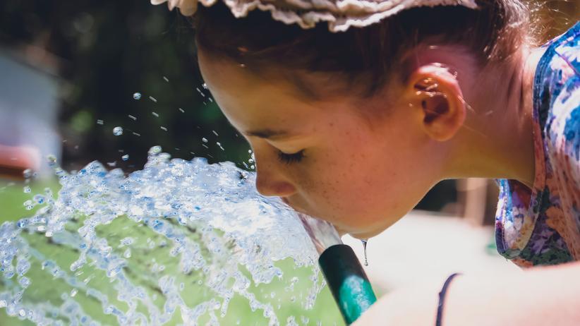Trinkwasser: Was in Deutschland aus der Leitung kommt, kann man unbesorgt trinken.