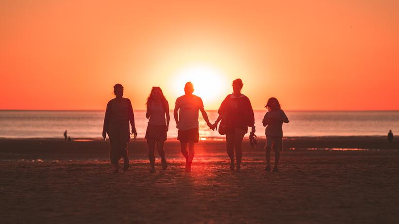 Ehepaare: Ein Männerüberschuss macht Paare glücklicher