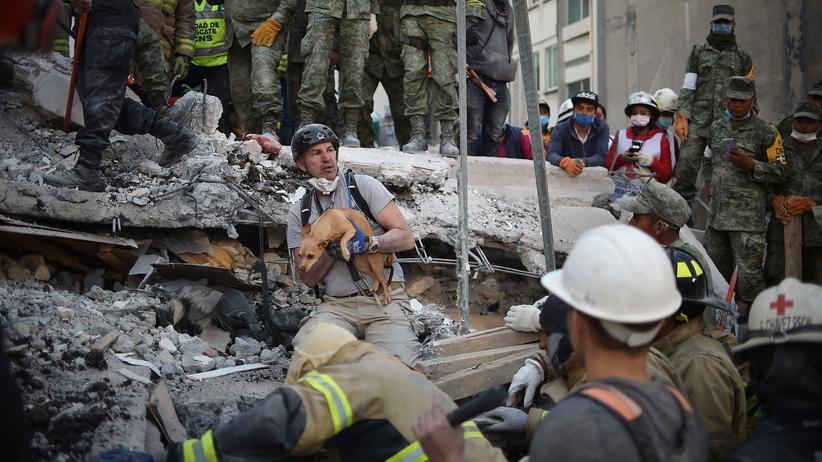 Mexiko: Jede Minute zählt, jede Hand hilft