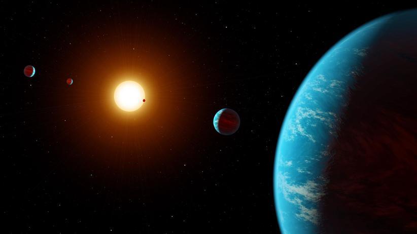 Planeten: Eine Animation des Sonnensystems K2-138 – es ist das erste System mit mehreren Planeten, das von Hobby-Astronomen entdeckt wurde.