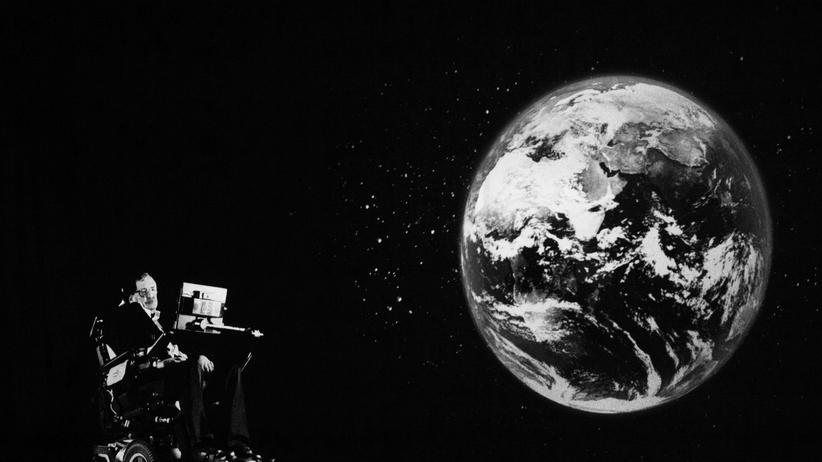 Stephen Hawking: Stephen Hawking im März 2017 während eines Vortrags in Hongkong: Der Astrophysiker erschien als Hologramm.