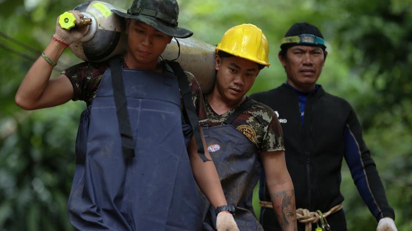 Thailand: Rettungskräfte in der Nähe der Höhle